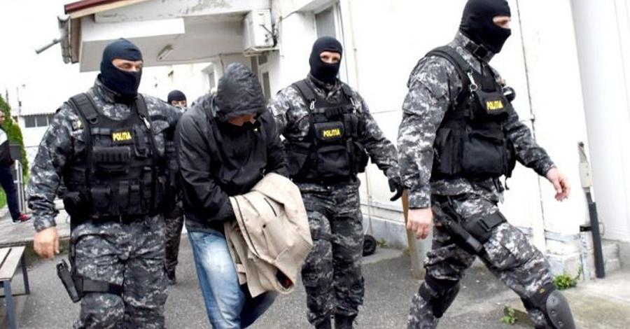ȚEPARI din VÂLCEA, în AREST. Acum ei terorizează judecătorii. Vezi cine sunt!