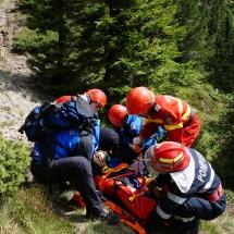 FOTO: Jandarmeria montană, pompierii, salvamont, poliţia şi ambulanţa Vâlcea, intervenţie în zona Releului Cozia