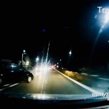 VIDEO: Inconştient pe şosele la Vâlcea. La un pas de accident la Gura Văii!