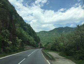 ATENȚIE, ȘOFERI! De Rusalii, restricţii de circulaţie pe DN 7 – Valea Oltului și Dealul Negru