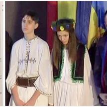 REVOLTĂTOR. La Drăgășani, elevii primesc burse de 10 lei, iar primăria organizează sărbători de 20.000 de lei