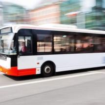 INCREDIBIL! A furat un autobuz din Autogara 1 Mai Râmnicu Vâlcea și a făcut accident
