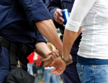FEMEIE din RÂMNICU VÂLCEA, condamnată pentru TRAFIC de DROGURI