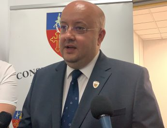 Constantin Rădulescu: Acordăm burse sociale medicale, pentru copii!