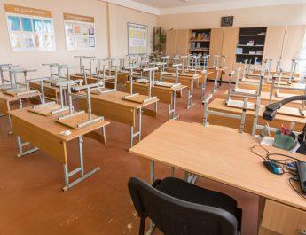 VÂLCEA – Peste 380 de infectați și 14 unități de învățământ închise